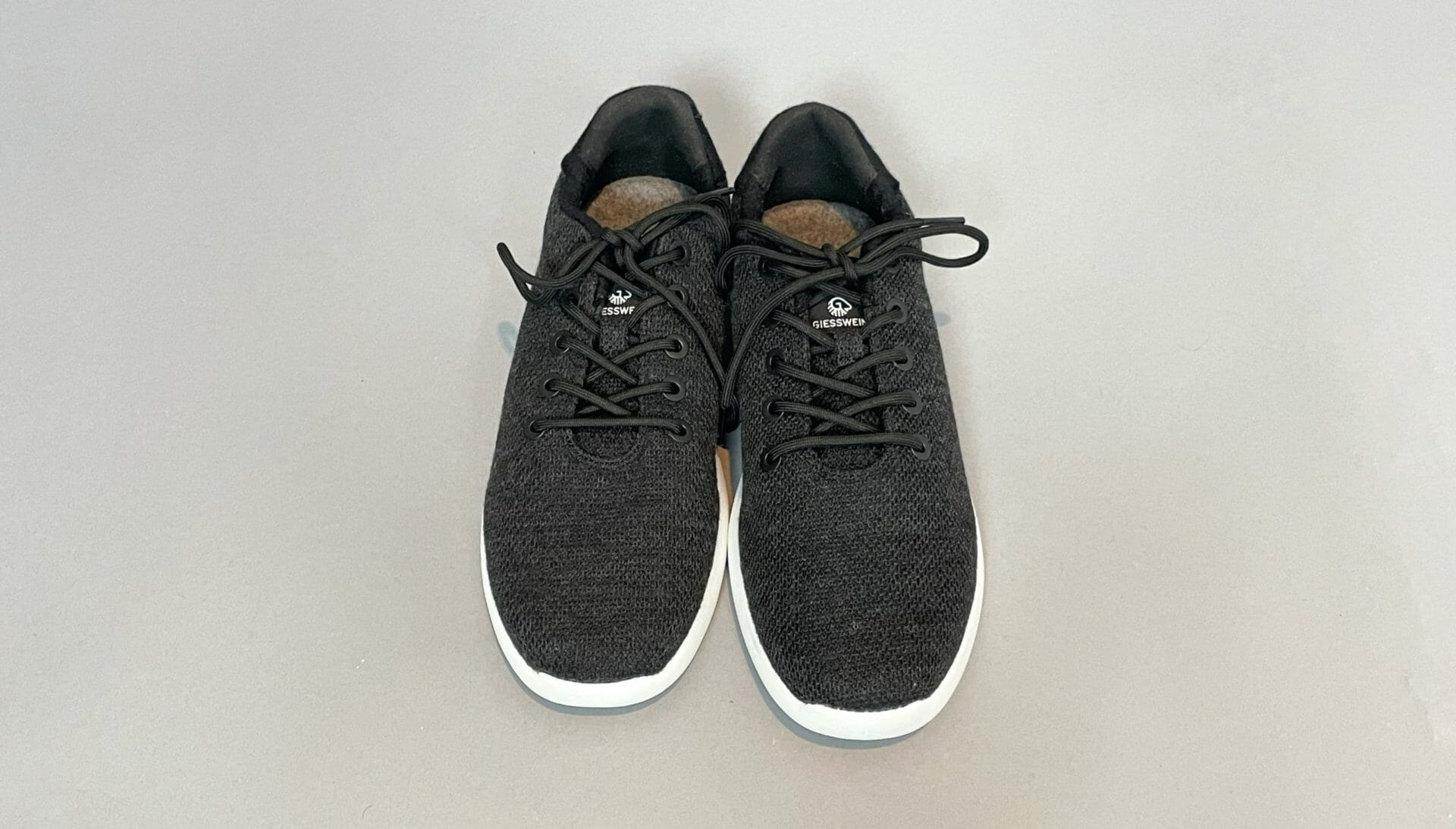 Giesswein wool knit shoe review - the answer to stinky, hot summer feet? 2