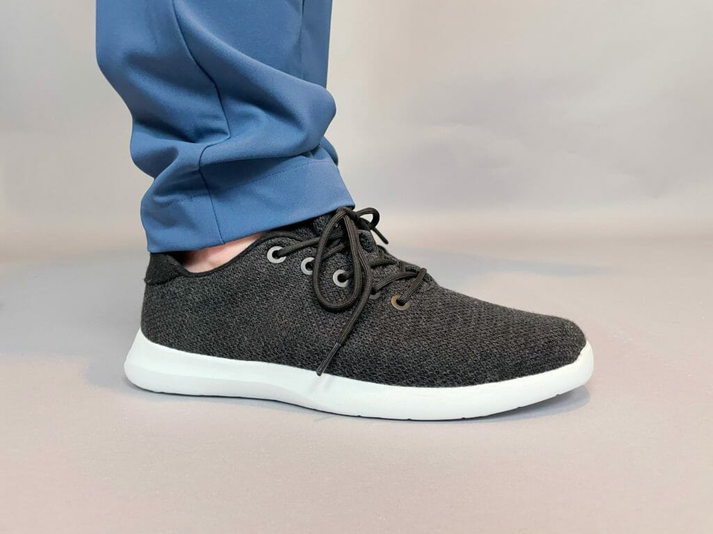 Giesswein wool knit shoe review - the answer to stinky, hot summer feet? 12