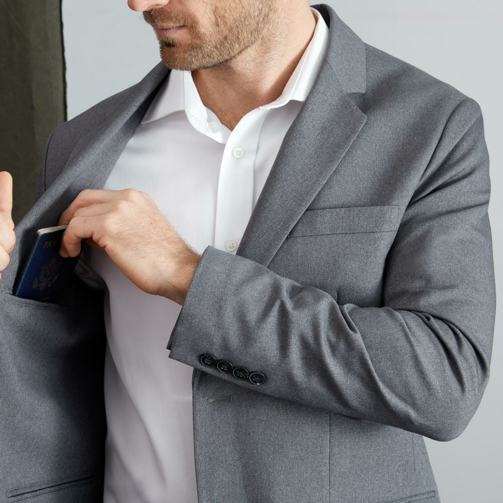 Bluffworks Suit Review: We Put The Ultimate Travel Suit To The Test 1