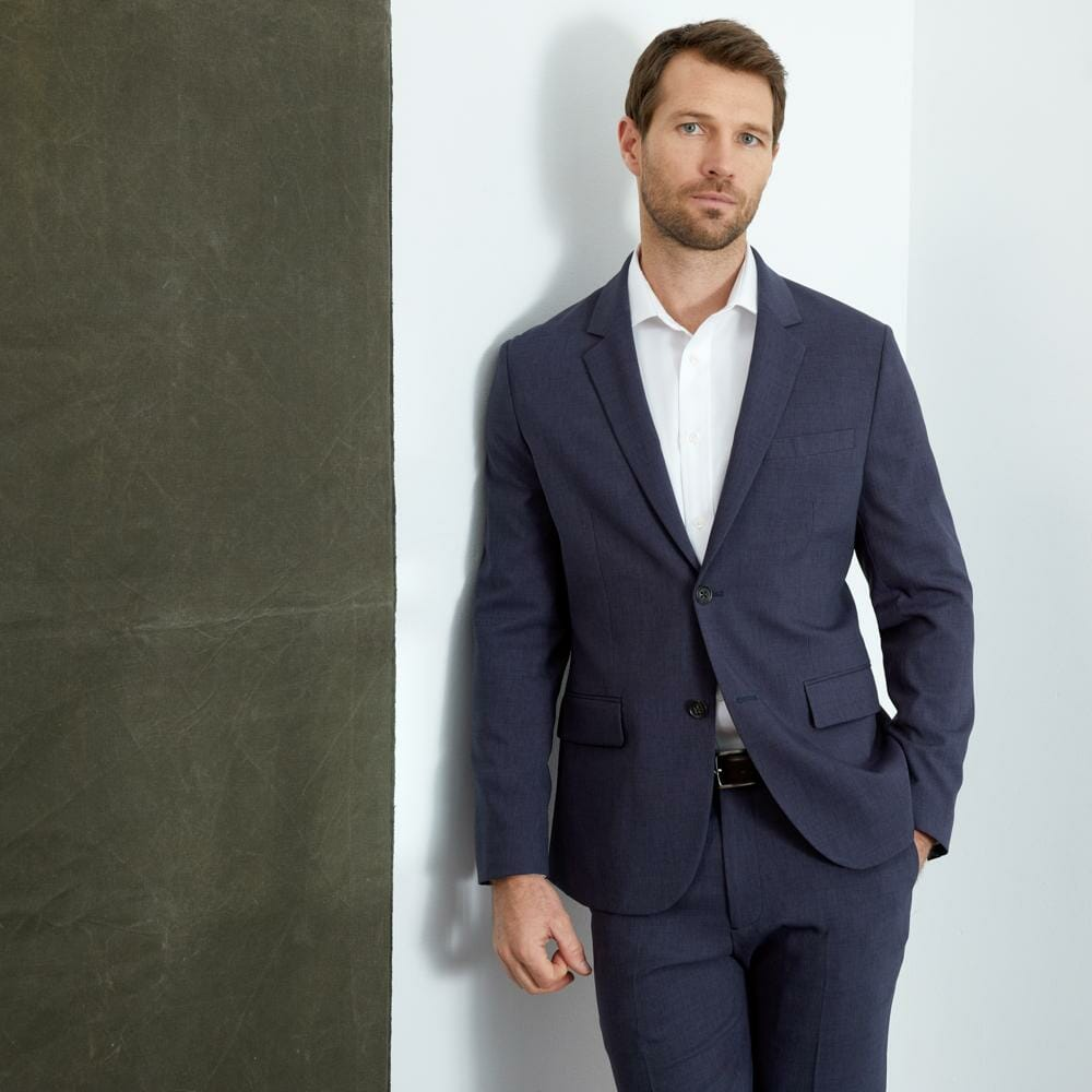 Bluffworks Suit Review: We Put The Ultimate Travel Suit To The Test 7